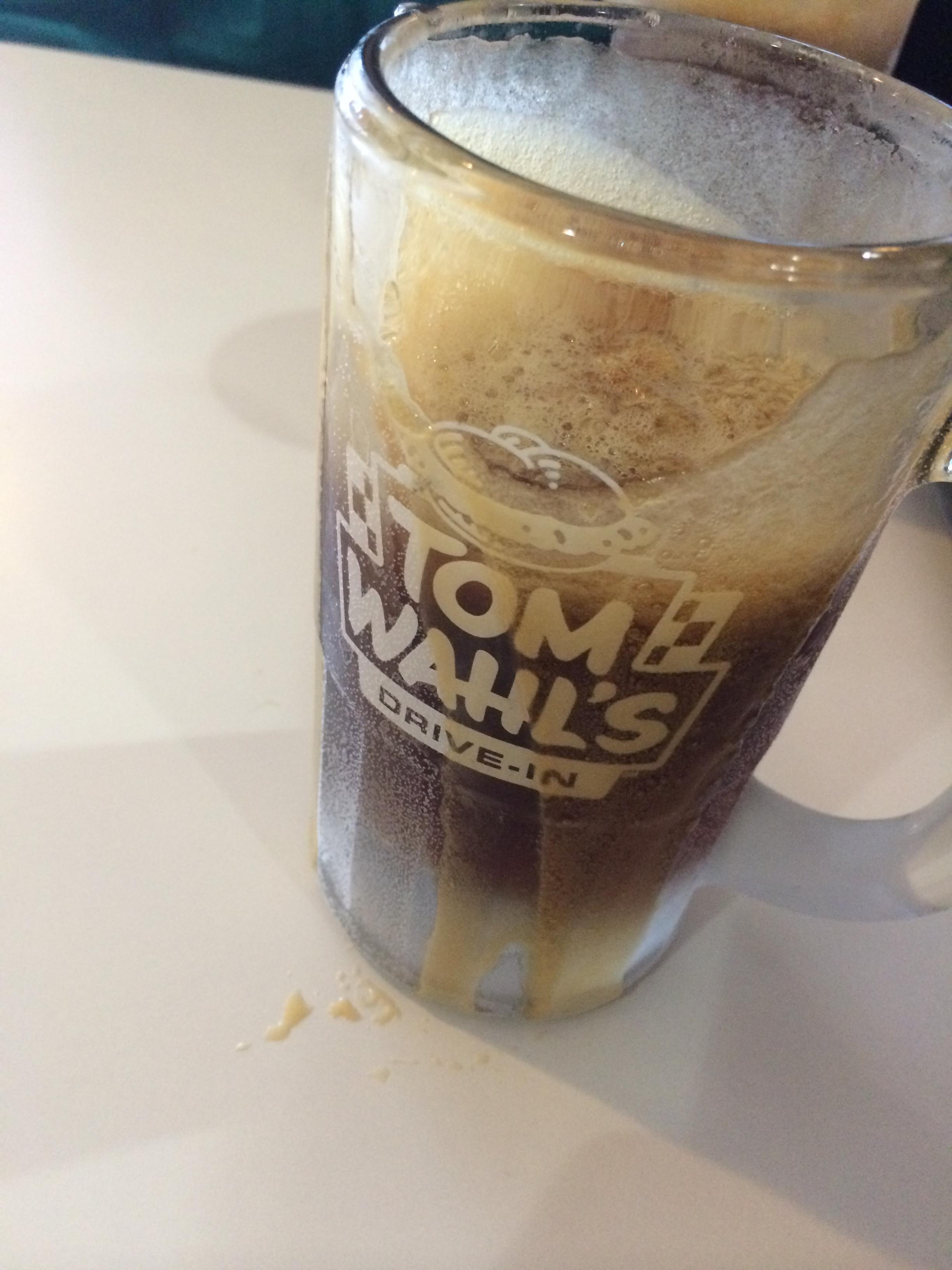 Mug o' root beer at Tom Wahl's